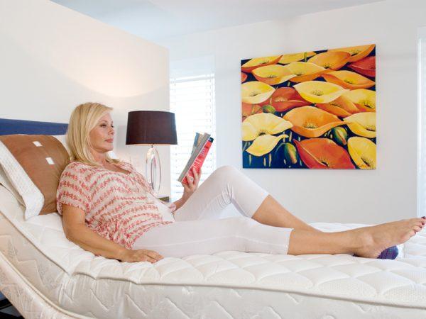 sleepwave-luxury-electric-adjustable-bed-600x450